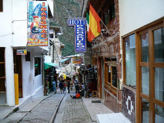 Hostal Pachacutec A Cheap Hotel At Aguas Calientes