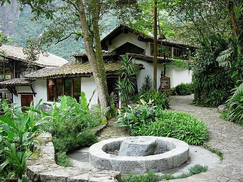 hotel pueblo peru: